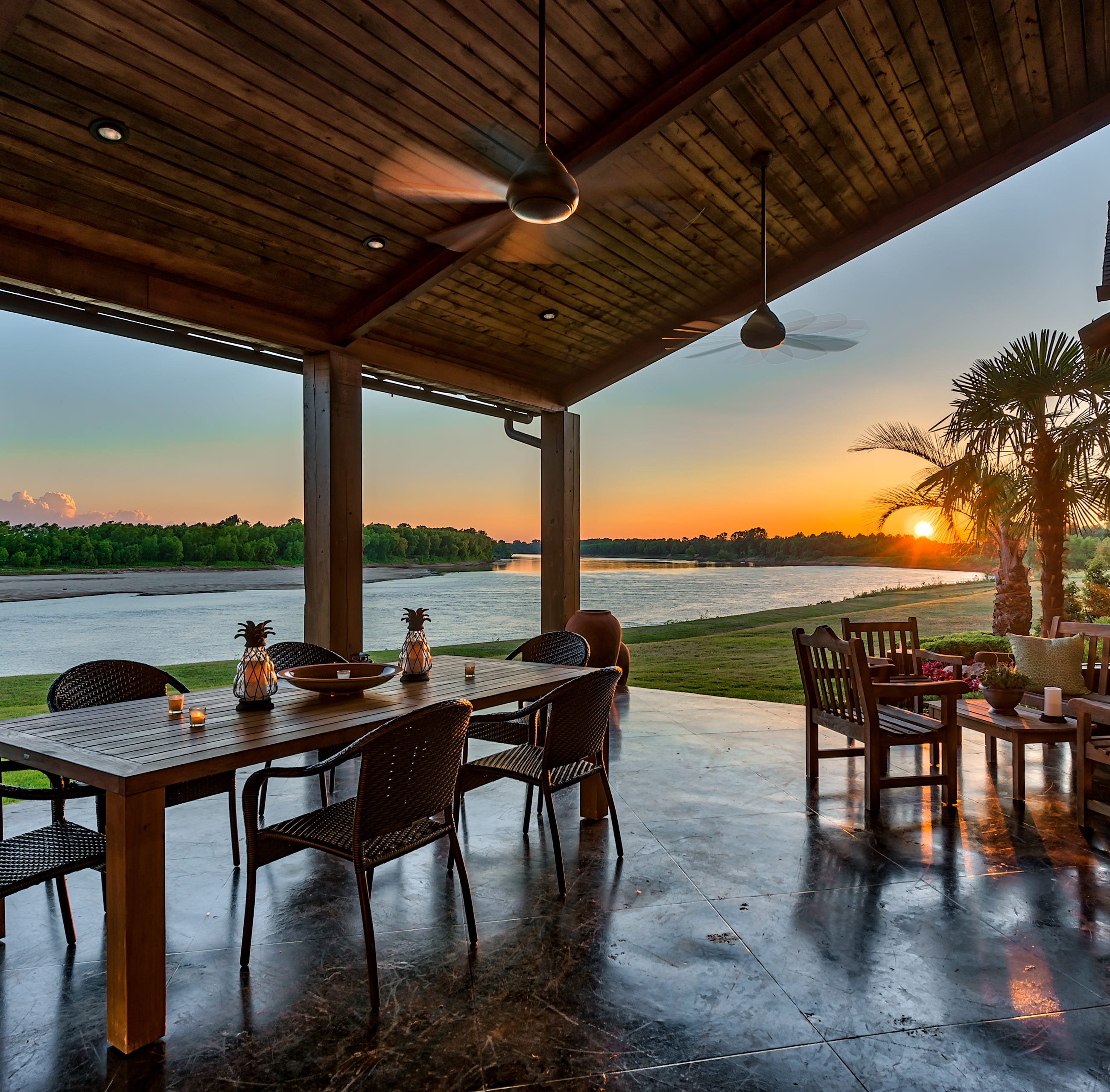 Rustic Bossier retreat has Red River views, stunning sunsets