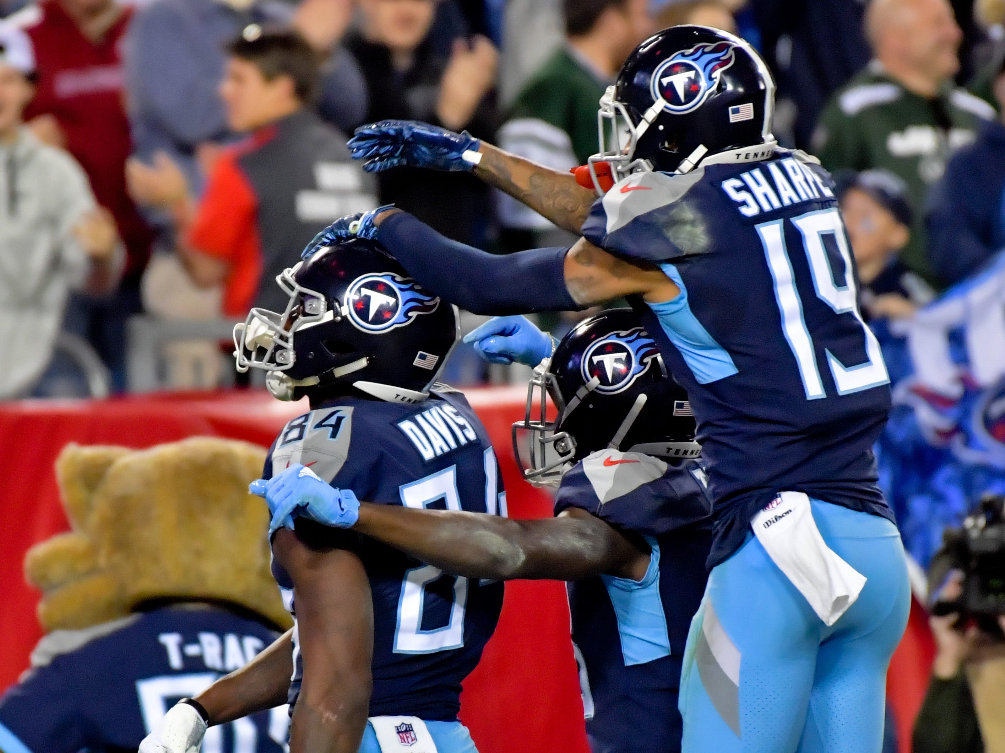 18. Titans (17): As low as their profile is, they're also lurking. They have four winnable games left. Offense woke up to hang season-best 461 yards on Jets.