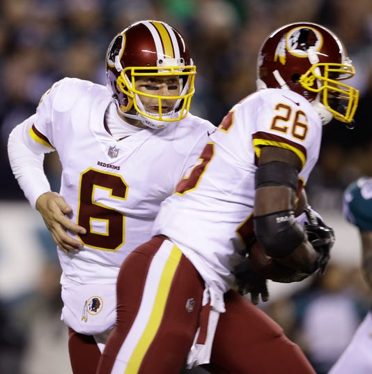 58feb3718 Redskins  Mark Sanchez replaces injured Colt McCoy vs. Eagles