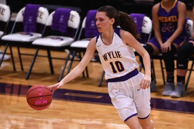 Senior guard Abbey Henson (10) has been a leader for Wylie this season. The Lady Bulldogs begin District 4-5A play on Friday night at Wichita Falls Rider.