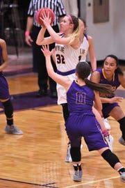 Wylie's Skylar Williams (32) gives the Lady Bulldogs a veteran scoring threat from the outside as they enter District 4-5A play on Friday at Wichita Falls Rider.