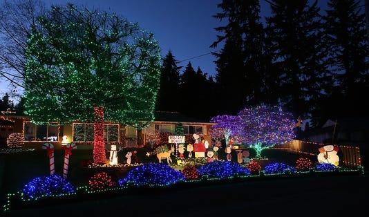Christmas Lights Sunrise Drive 02