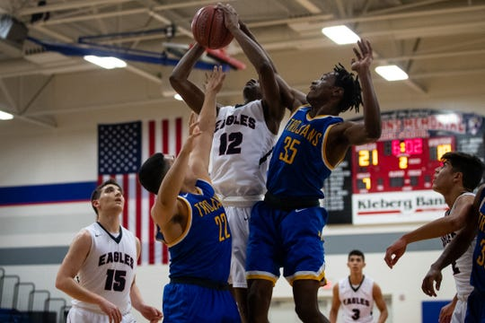 Moody defeats Veterans Memorial 71-68 in the District 30-5A boys basketball opener at Veterans Memorial High School on Tuesday, Dec. 4, 2018.