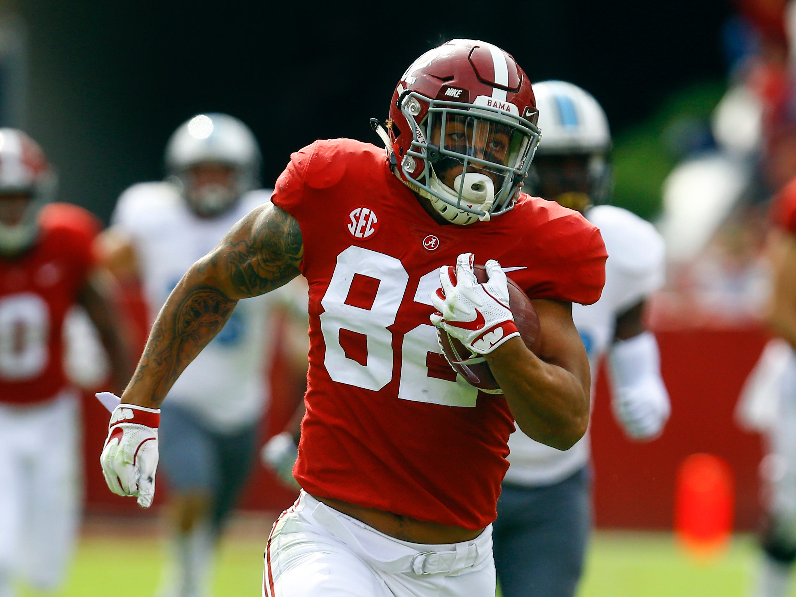 45. Irv Smith Jr., TE, Alabama: Smith probably won't give you much from a blocking perspective, but the athletic tight end has been a big-play machine for Alabama this season, averaging 17.1 yards on his 38 receptions, including seven scores.