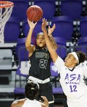 Dunbar alum Dekeriya Patterson, who spent her sophomore season at Chipola College, will transfer to the West Virginia University next season.