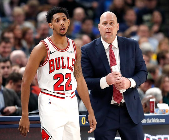 Chicago Bulls head coach Jim Boylen talks with guard Cameron Payne (22) in the second half of their game at Bankers Life Fieldhouse on Tuesday, Dec. 4, 2018. The Indiana Pacers defeated the Chicago Bulls 96-90.