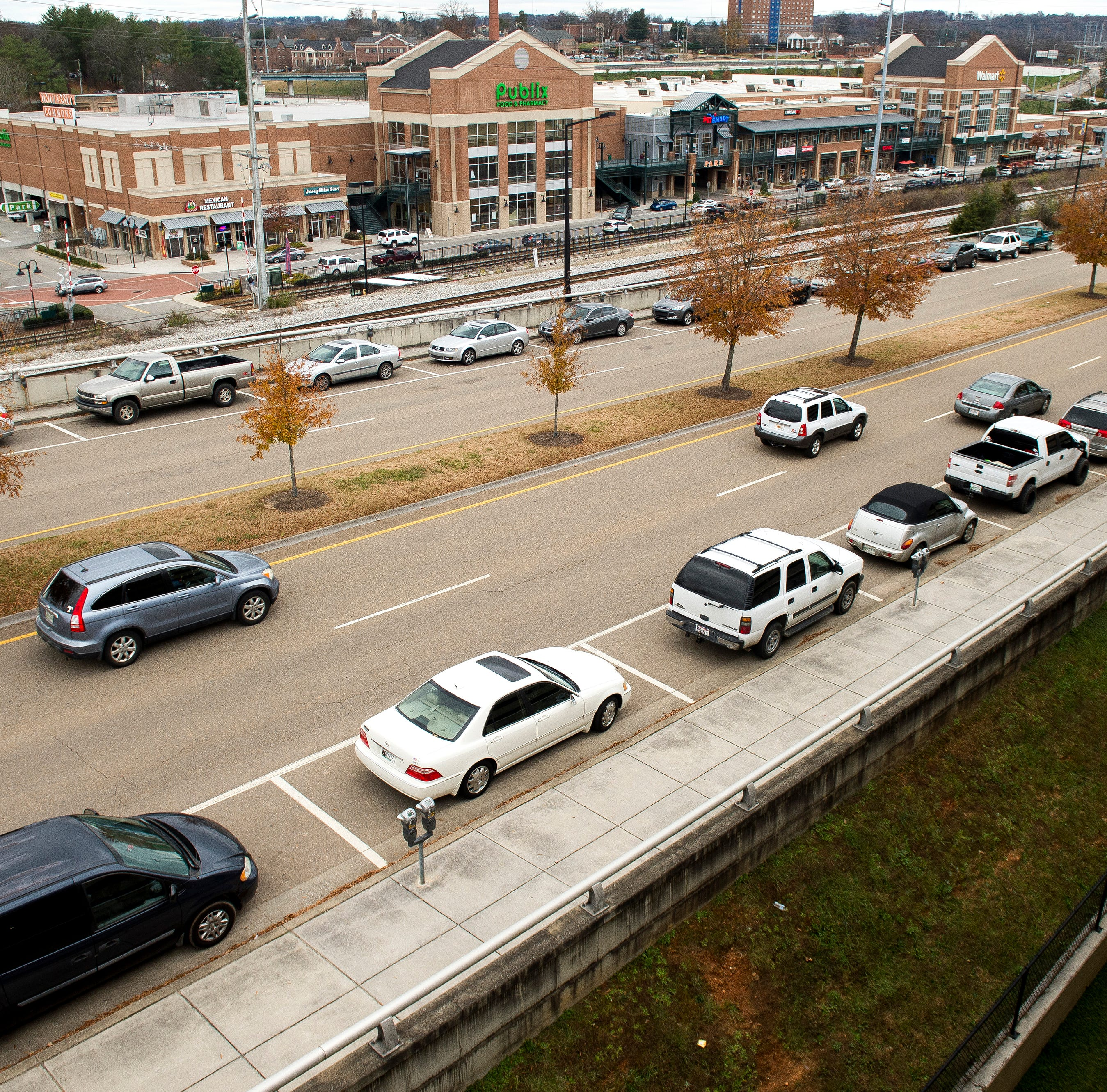 What's the University of Tennessee going to do on two of its main streets?