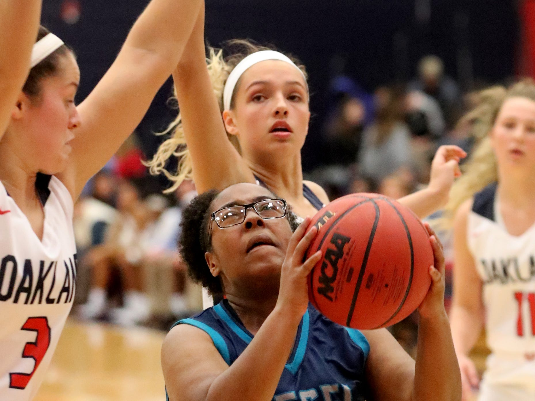 Siegel's Daisha Rankins (30) shoots the ball during the game against Oakland at Oakland on Tuesday, Dec.. 4, 2018.
