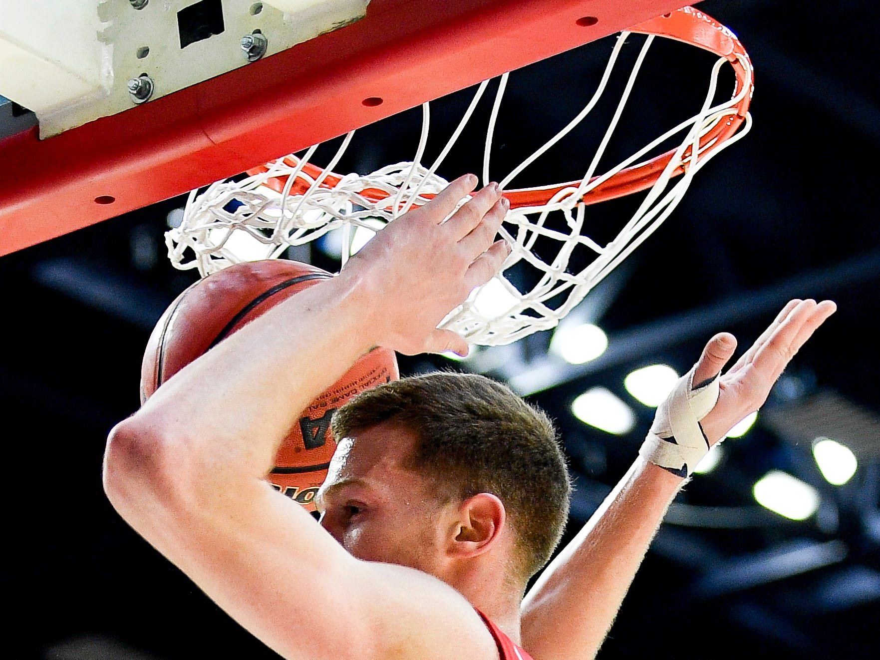 Belmont center Nick Muszynski (33) dunks against Lipscomb during the first half at the Curb Event Center in Nashville, Tenn., Tuesday, Dec. 4, 2018.
