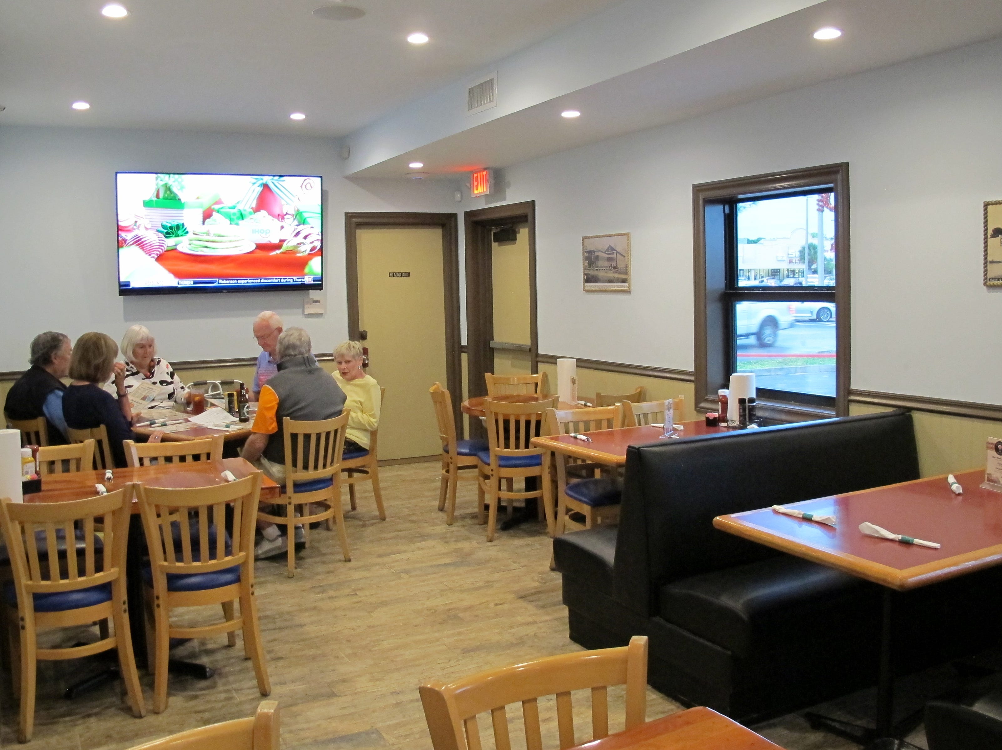 In addition to seating around the bar and outside on a covered porch, the Balloon has an adjoining dining room.