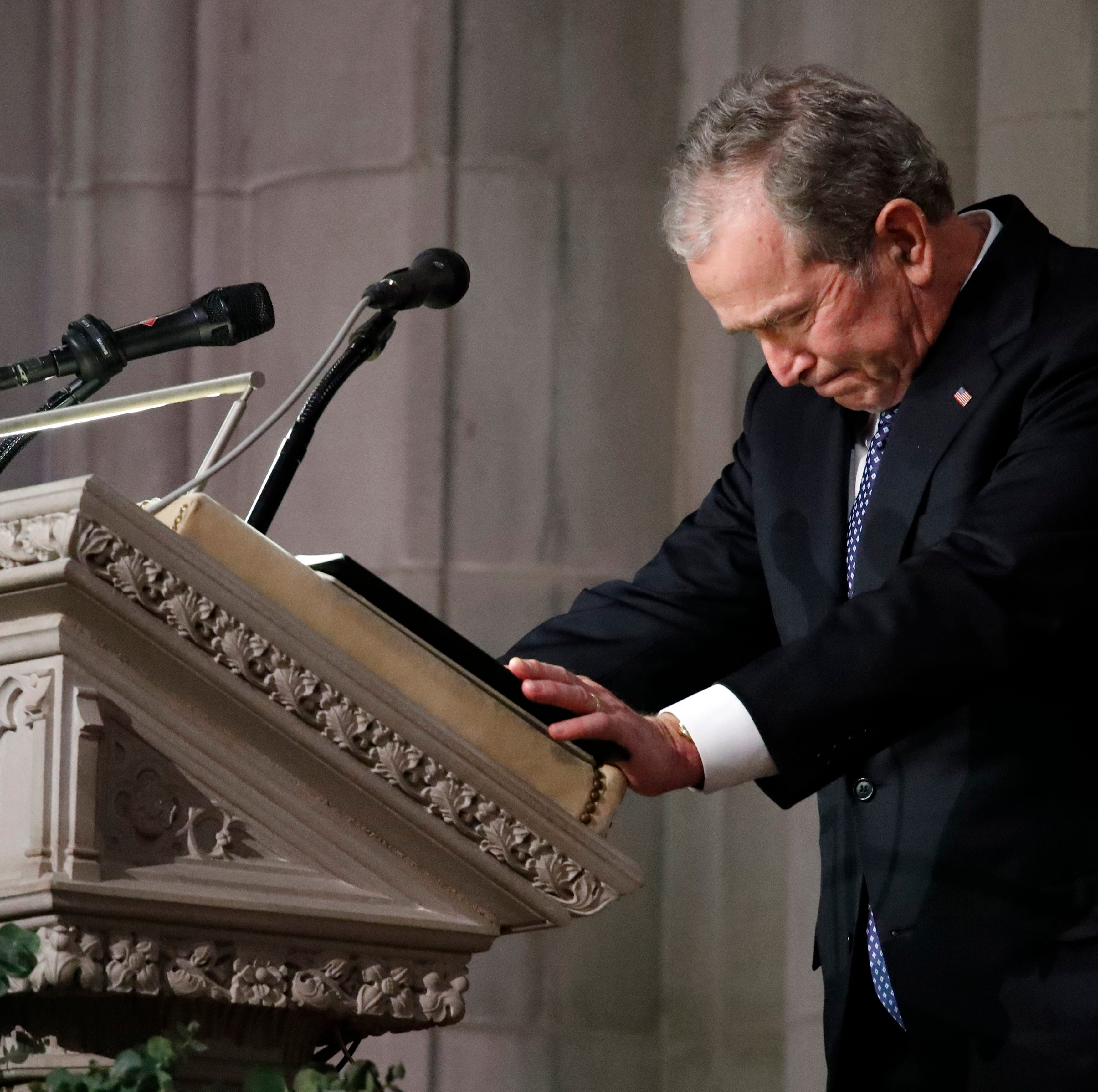 Mitch Albom: George W. Bush's farewell to dad is sadly familiar