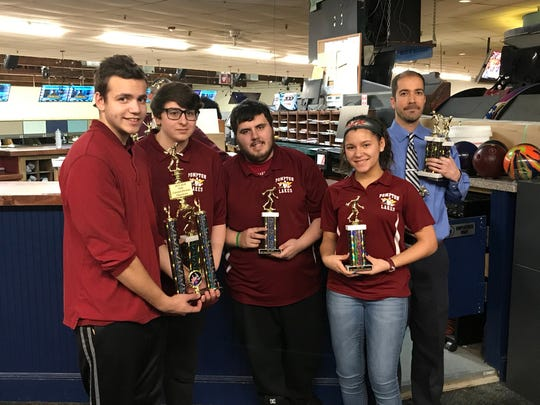 The Pompton Lakes bowling team earned the 2017-18 NJIC Colonial championship with a divisional points record of 98-14.