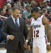 Chris Jans and the New Mexico State men's basketball team host Texas A&M International on Tuesday at the Pan American Center.