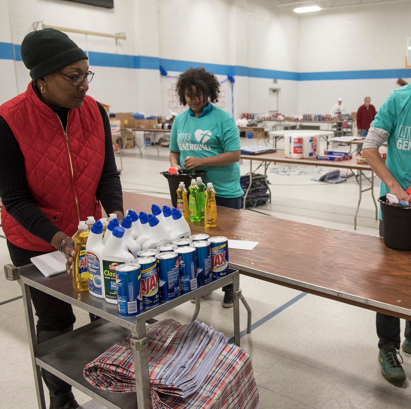 'It's just some small way to say thank you:' students pack care packages for Detroit vets