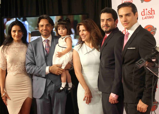 Eugenio Derbez Y Familia Cortesia Eugenio Derbeztv