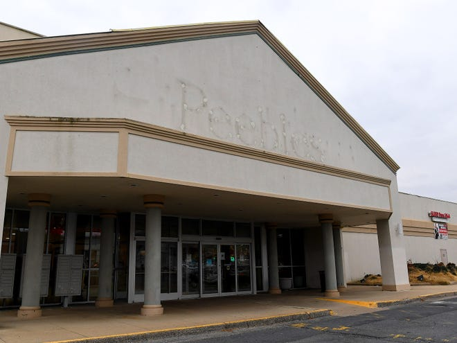 The outline of the long removed signage for the Peebles store that was once over one of the entrances to the Staunton Mall.