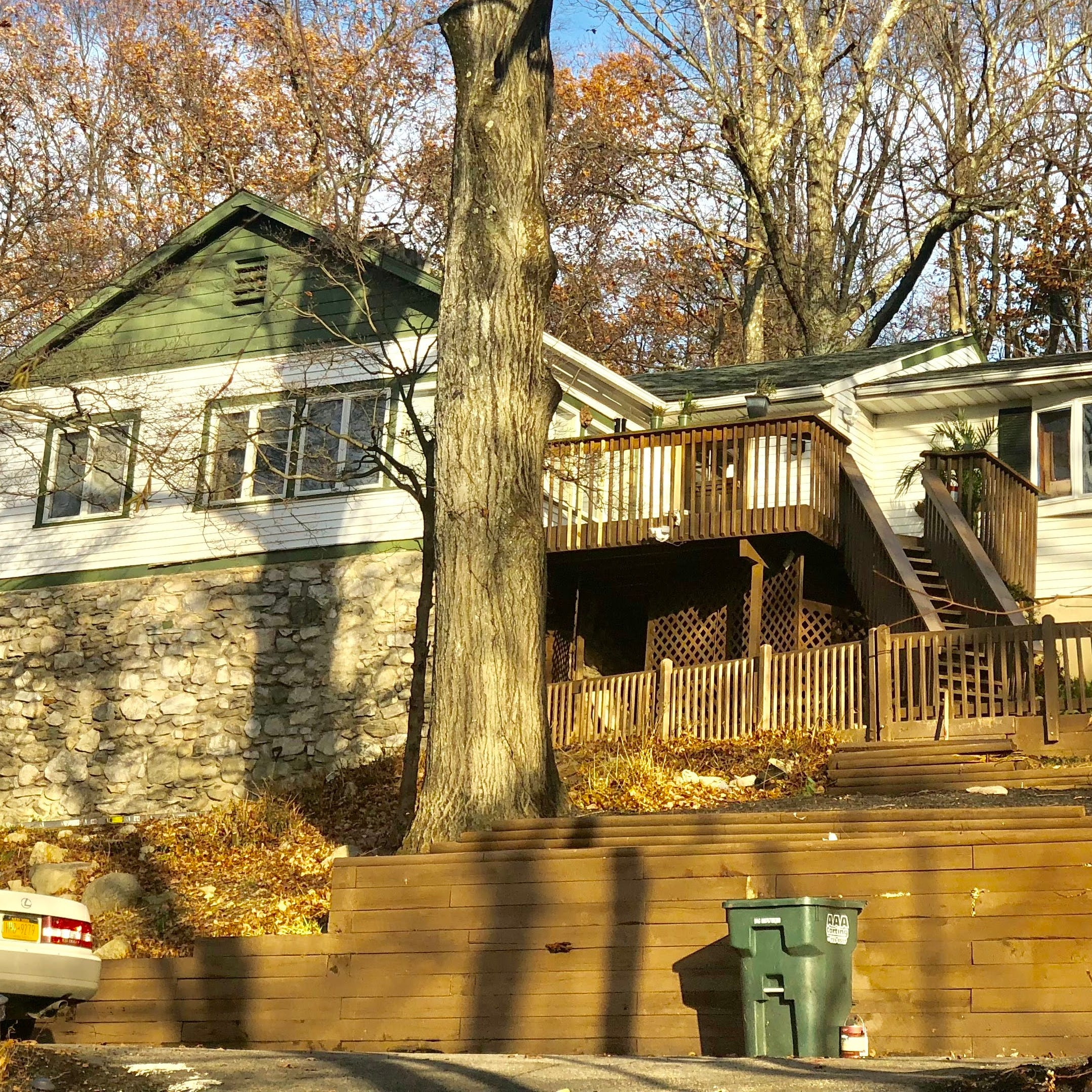 Rappers retreat on Lake Oscawana on the market for $325K