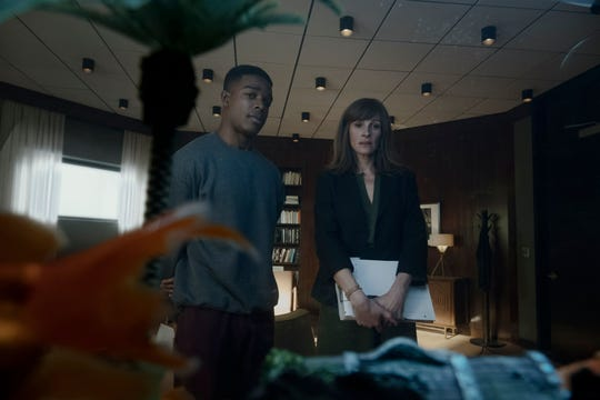 """Heidi (Julia Roberts, left) forms a particularly strong bond with patient Walter Cruz (Stephan James) in """"Homecoming."""""""