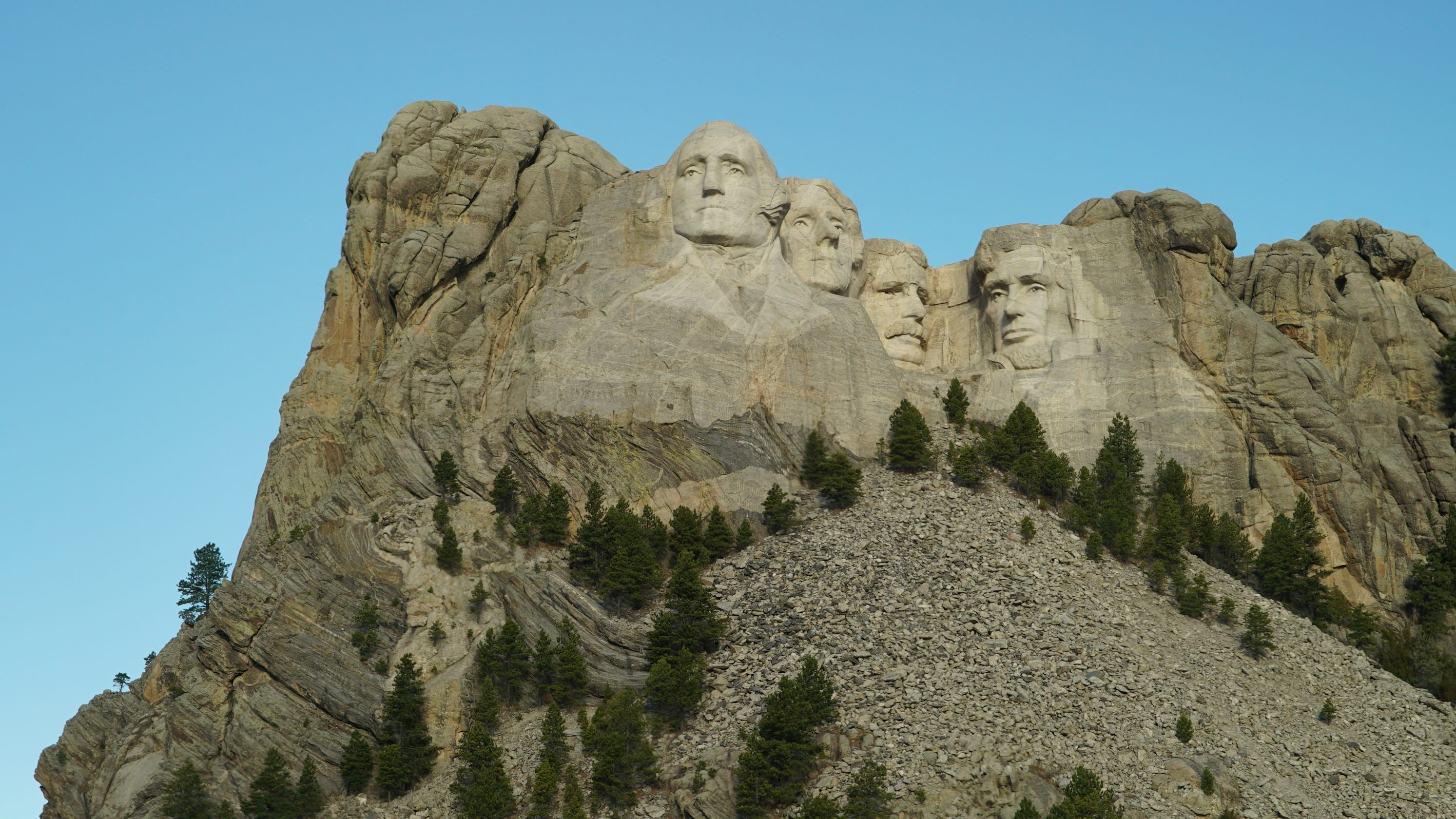 South Dakota: Natural beauty, kitschy Americana