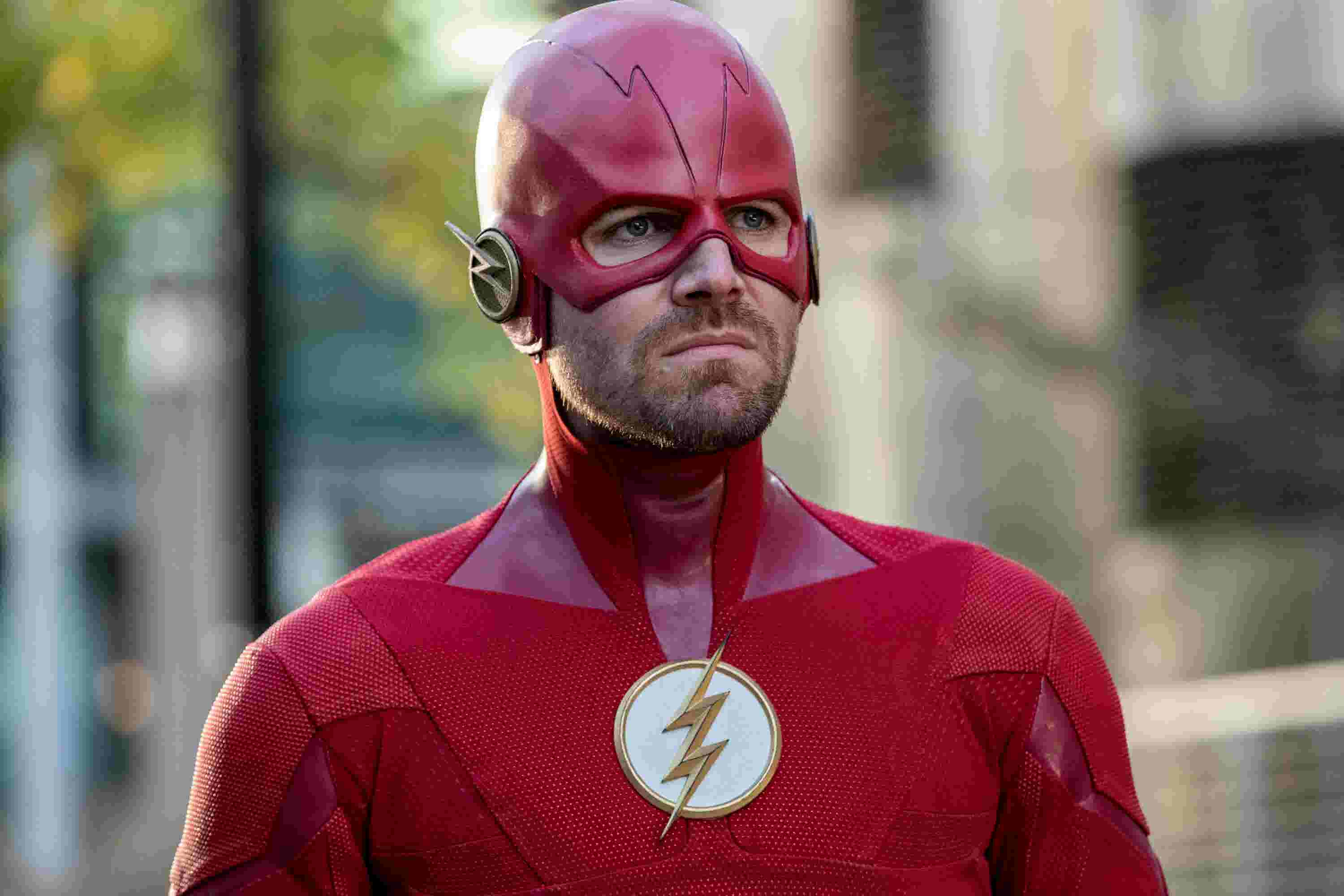 Flash and Green Arrow switch bodies in CW's 'Elseworlds' crossover