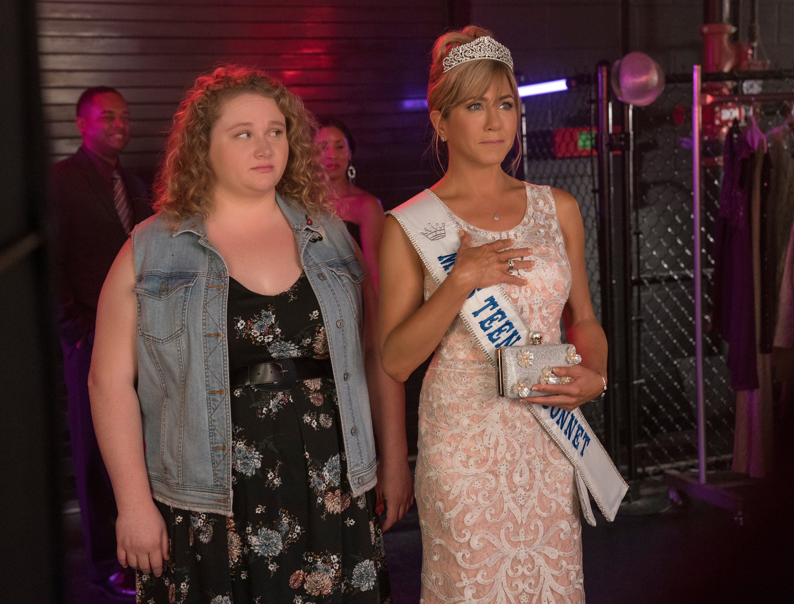 """Willowdean (Danielle Macdonald) and her beauty queen mother, Rosie (Jennifer Aniston), have a challenging relationship in """"Dumplin'."""""""