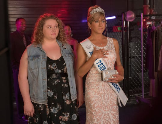 "Willowdean (Danielle Macdonald) and her beauty queen mother, Rosie (Jennifer Aniston), have a challenging relationship in ""Dumplin'."""