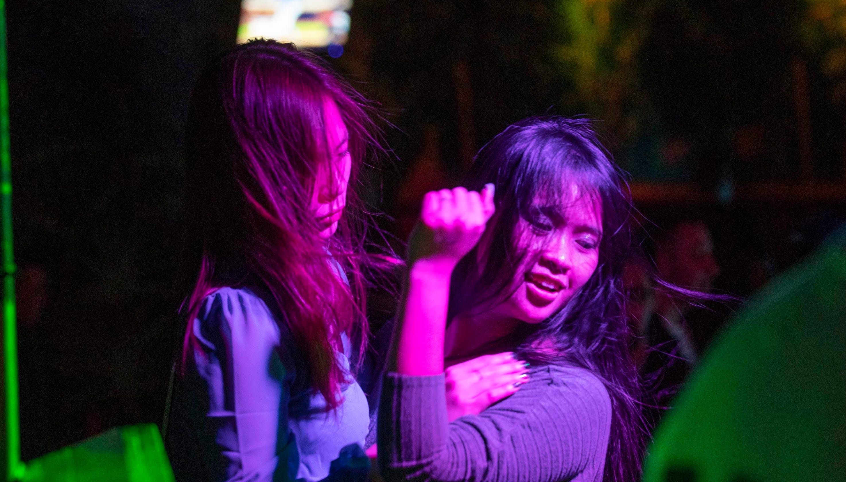 Bamboo Bar Seaside: Brawls, wet T-shirts, lawsuits at MTV