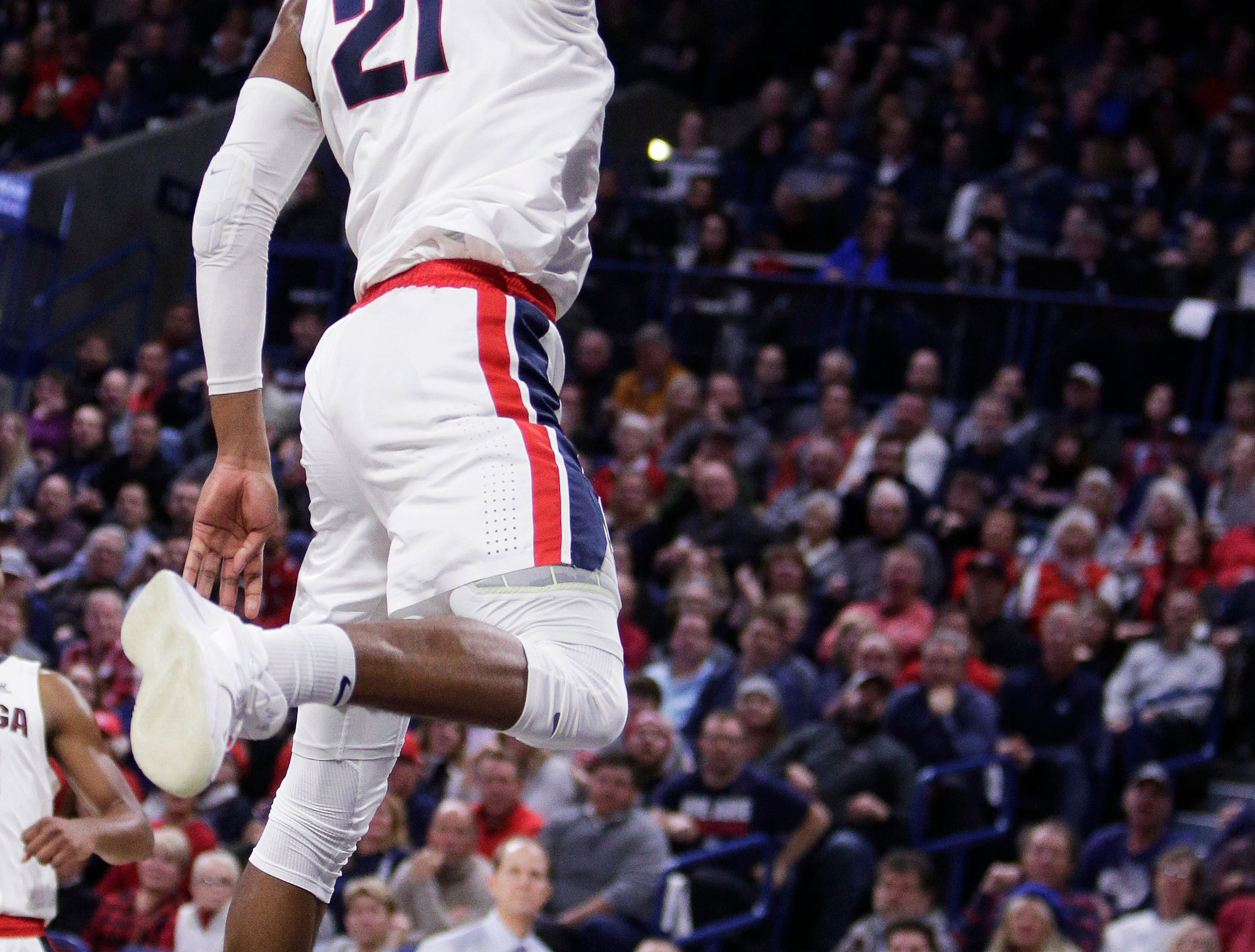 Gonzaga forward Rui Hachimura (21) dunks during the first half of an NCAA college basketball game against Washington in Spokane, Wash., Wednesday, Dec. 5, 2018. (AP Photo/Young Kwak)
