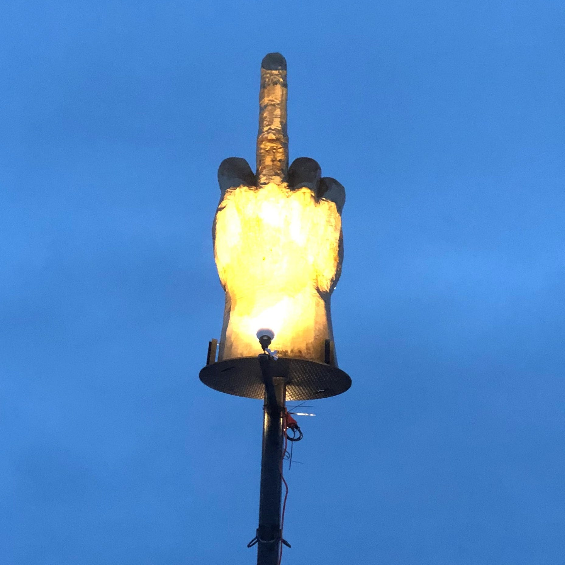 Vermont man gives his town the middle finger — and officials can't do anything about it