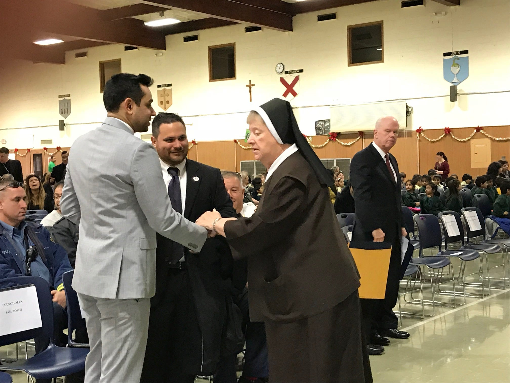 Saint HelenaSchool in Edison celebrated its recognition as a 2018 NationalBlue Ribbon School with an assembly and the raising of the National Blue Ribbon flag on Thursday.
