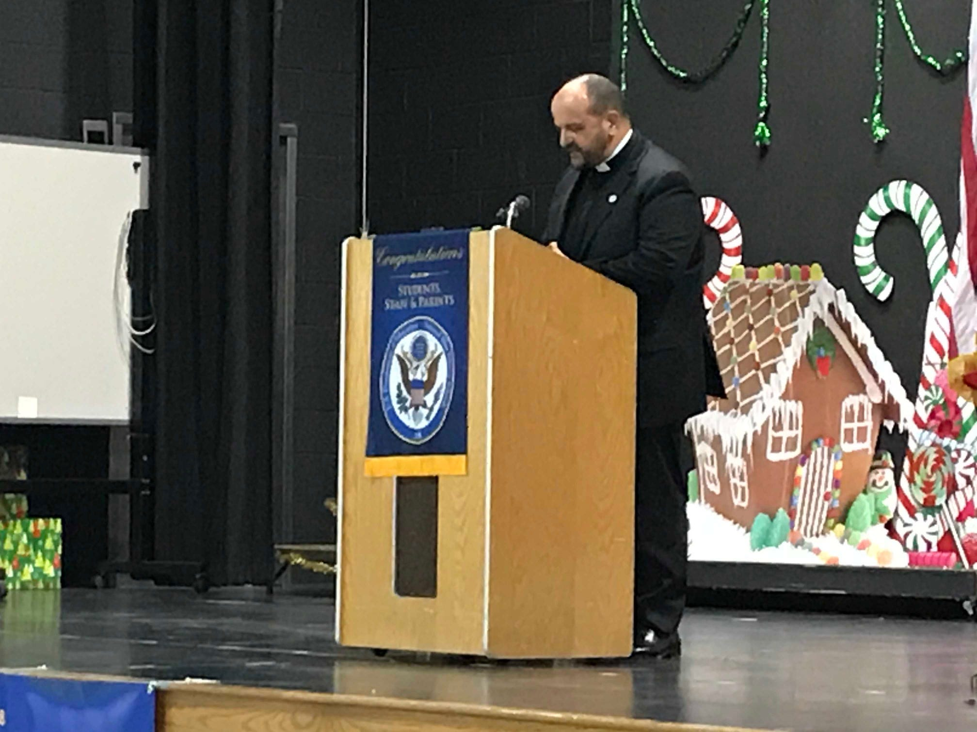 Saint HelenaSchool celebrated its recognition as a 2018 NationalBlue Ribbon School of Excellence with an assembly and the raising of the National Blue Ribbon flag.