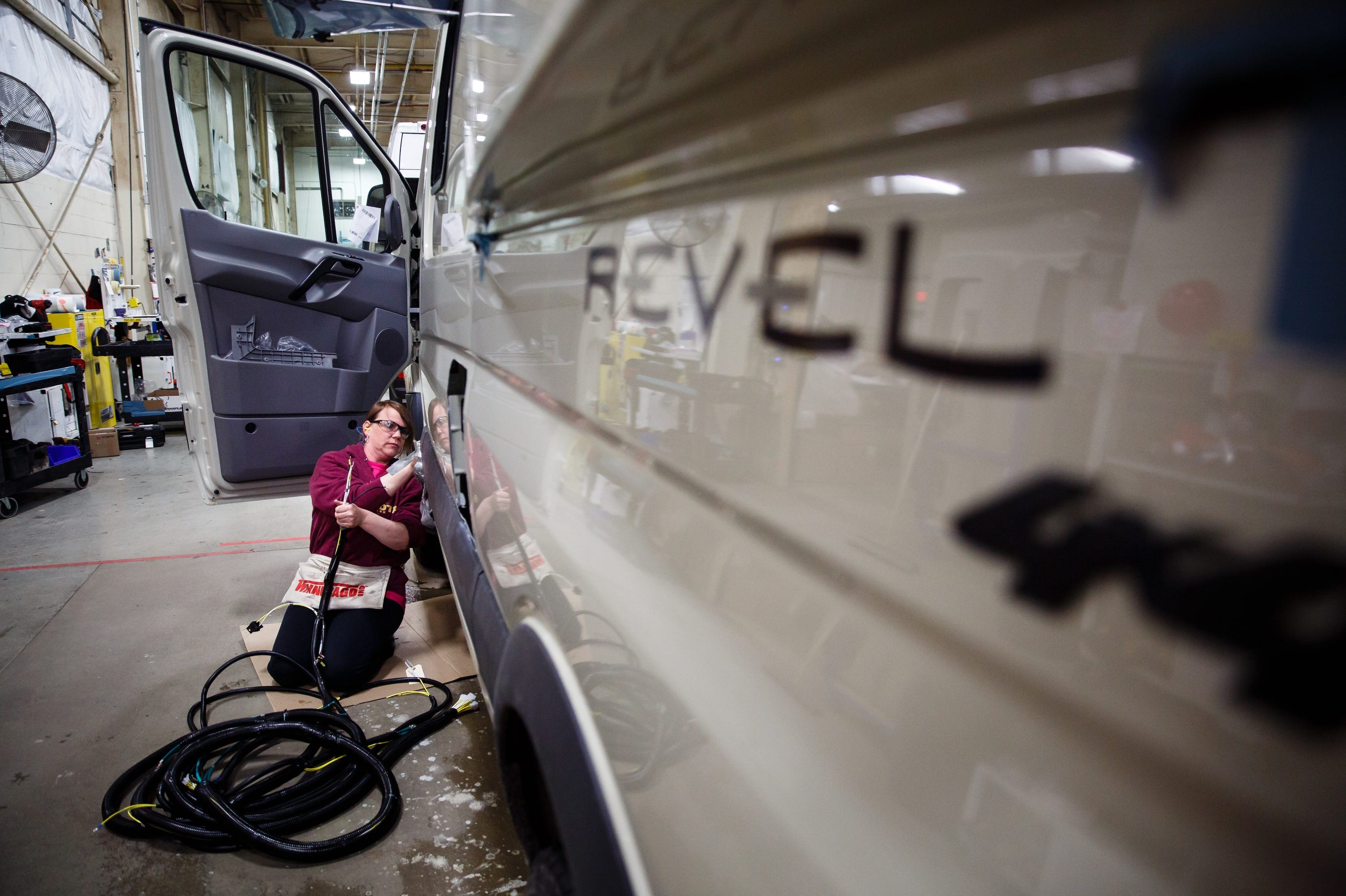 photos smaller, more rugged rv\u0027s roll off the line at winnebago plant Fall Protection Harness