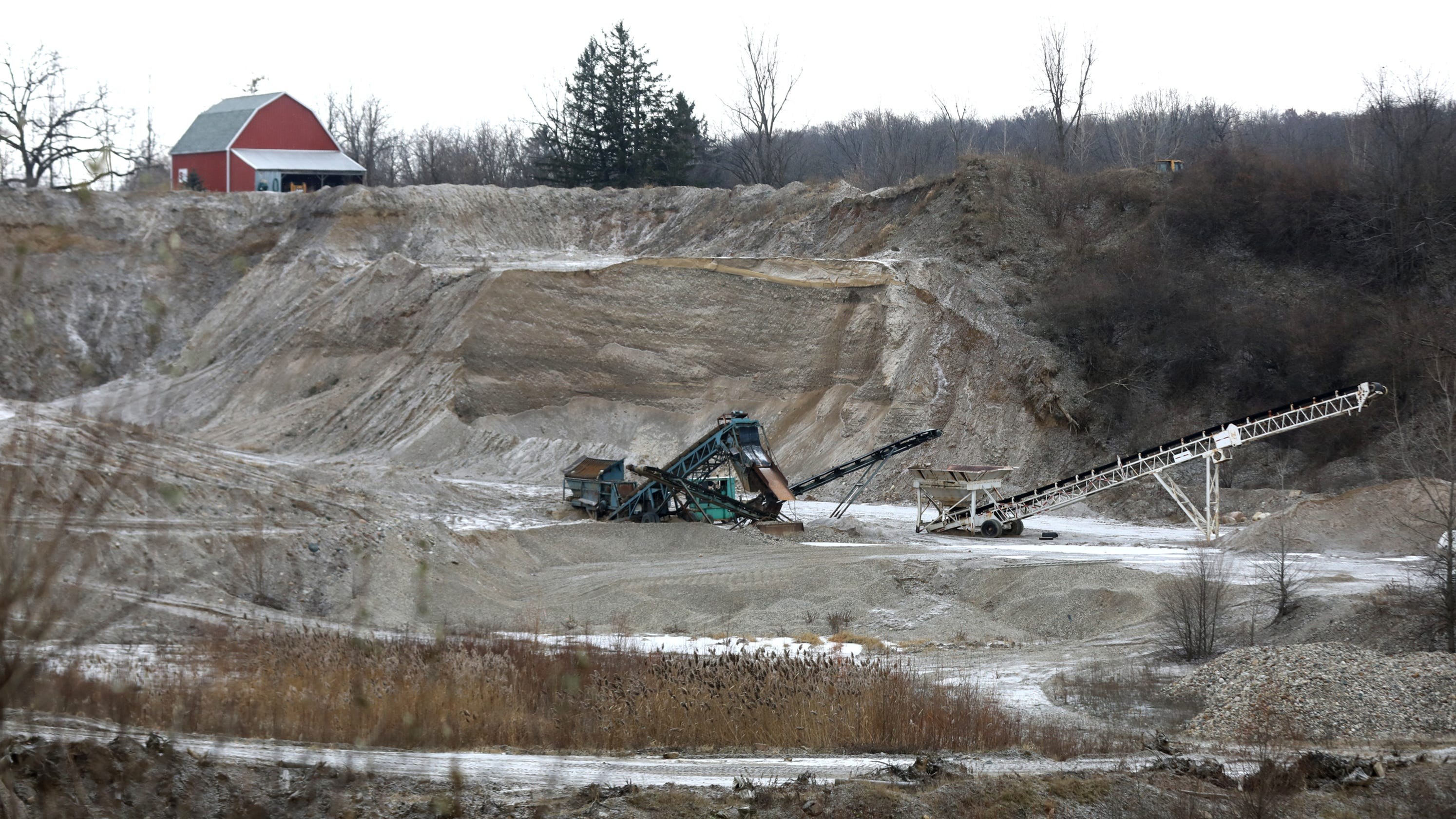 Lansing dustup brewing over access to Michigan gravel