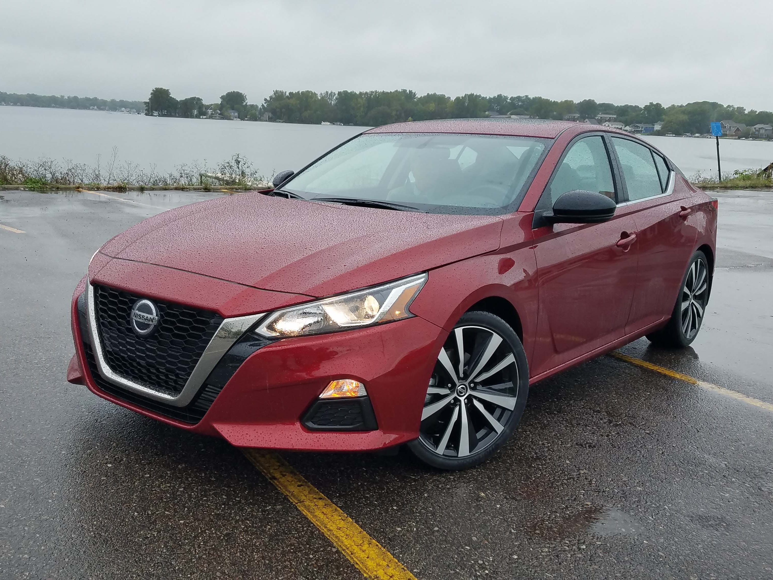 The 2019 Altima is the rare midsize sedan that comes with all-wheel-drive. Perfect for foul Michigan weather.