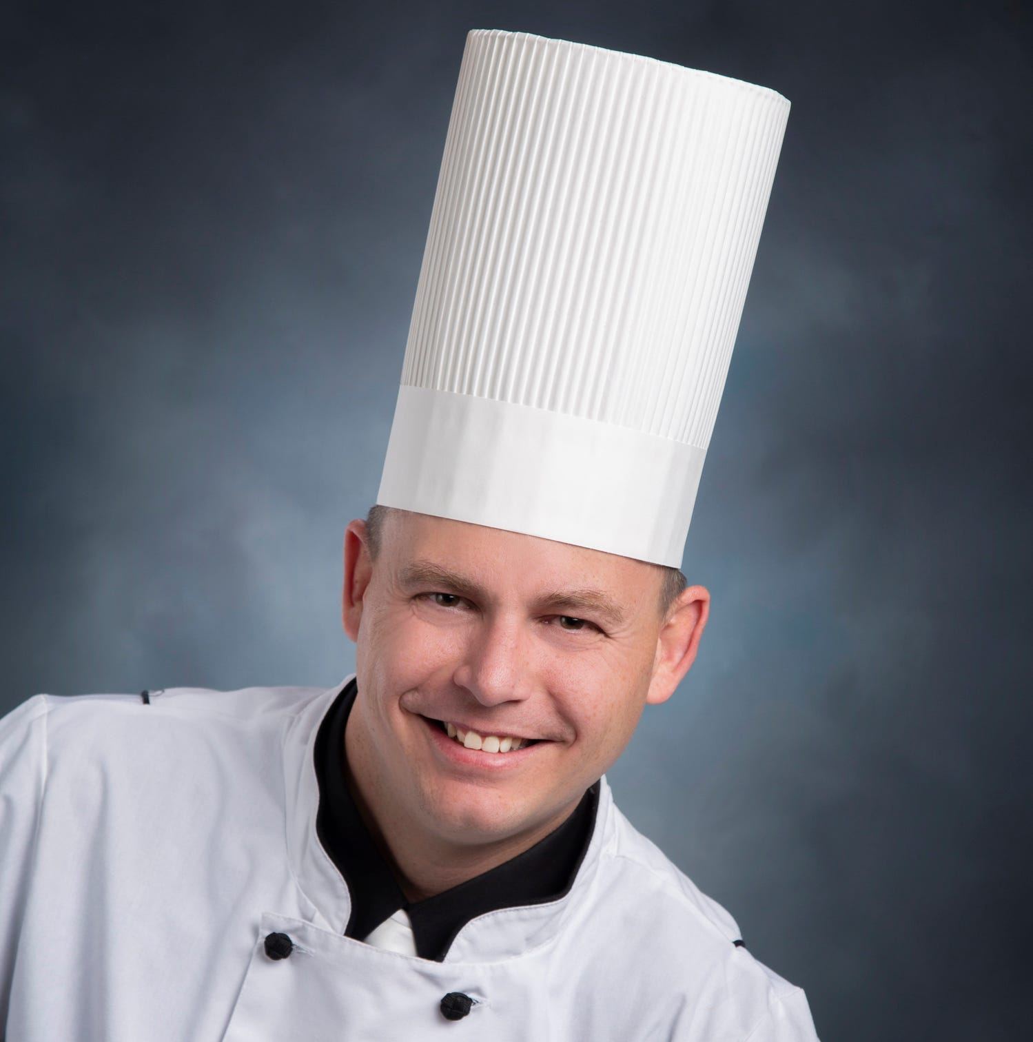 Hotel Retlaw has its executive chef — and he has Fond du Lac roots