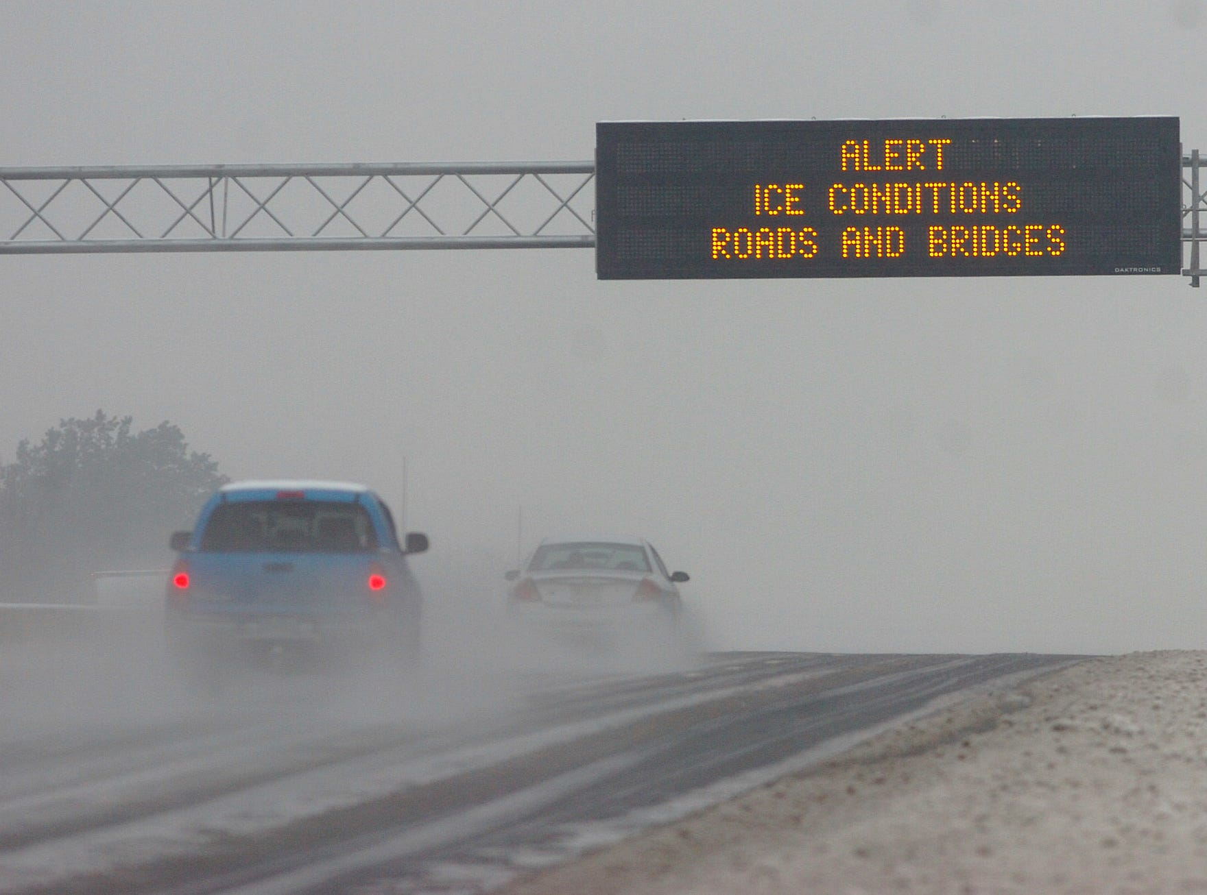 A sign over I-85 in Anderson County warns motorist of icy road conditions Thursday, February 1, 2007.