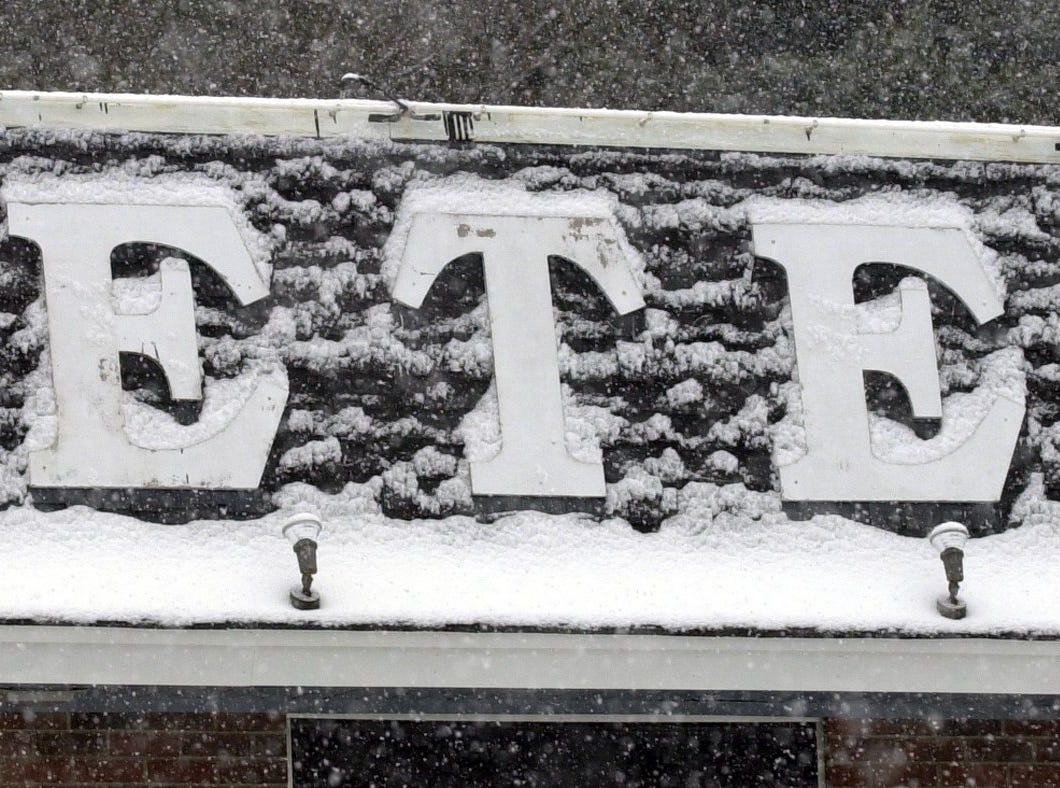 A snow covered 'Pete's' sign at the Poinsett Hgwy restaurant January 3, 2002.