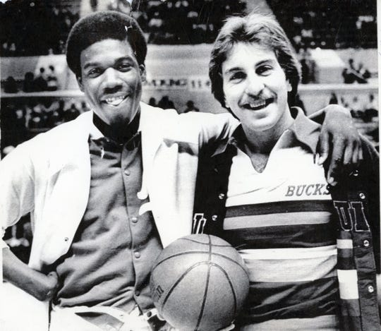 Former UT Vol stars Bernard King and Ernie Grunfeld in 1977, when King was with the New Jersey Nets and Grunfeld with the Milwaukee Bucks.