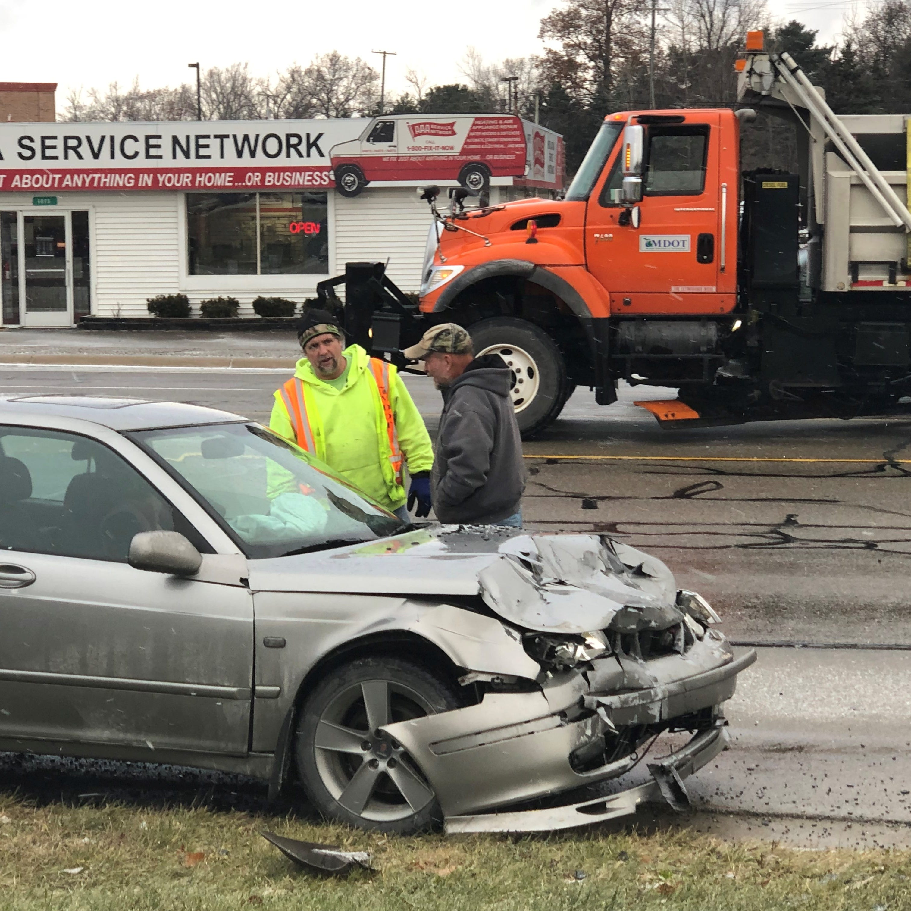 Icy roads cause dozens of crashes in Livingston County, no serious injuries reported
