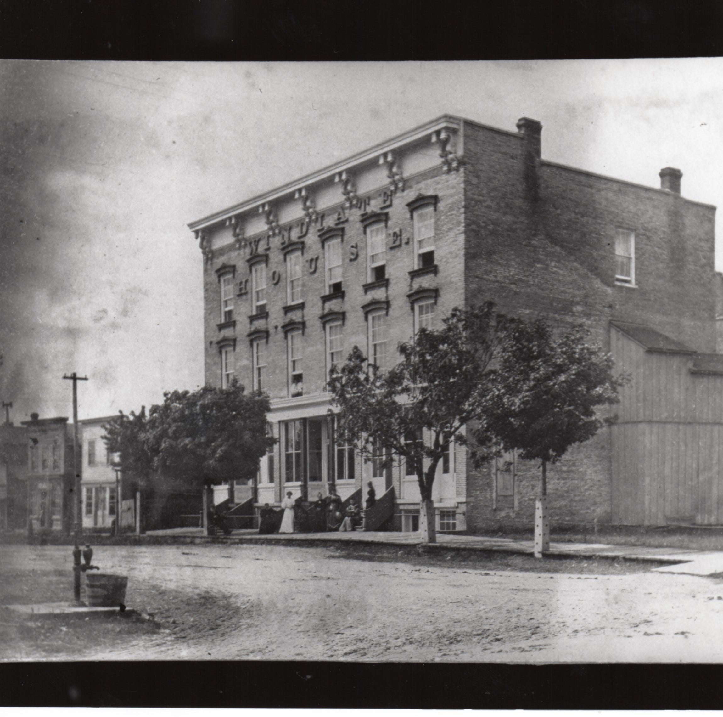 Manitowoc Windiate House was once 'center of social life' in city