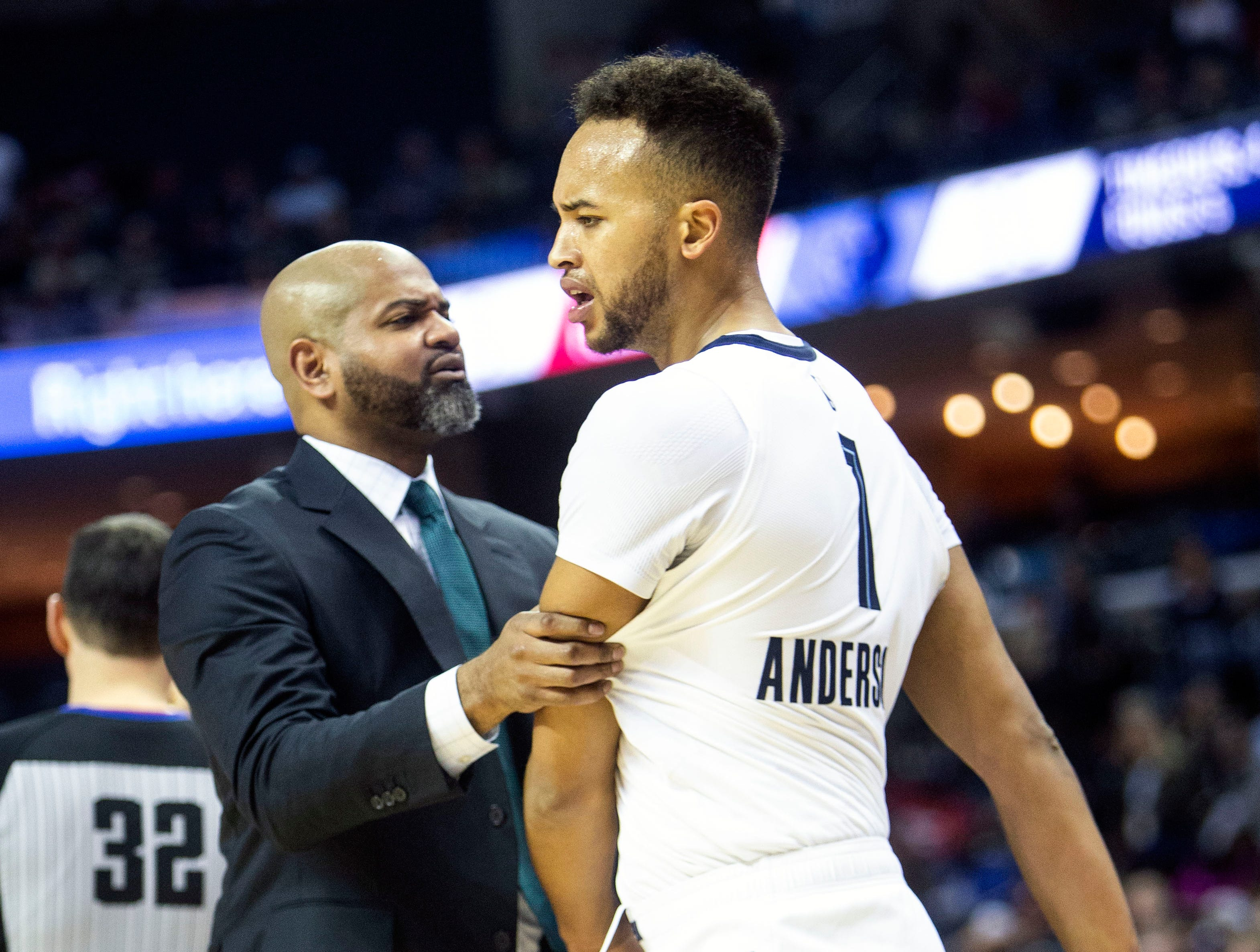 Memphis Grizzles head coach J.B. Bickerstaff and guard Kyle Anderson react to a call during a NBA basketball game between the Memphis Grizzlies and the  Los Angeles Clippers in the Fedex Forum, Wednesday, Dec. 5, 2018.