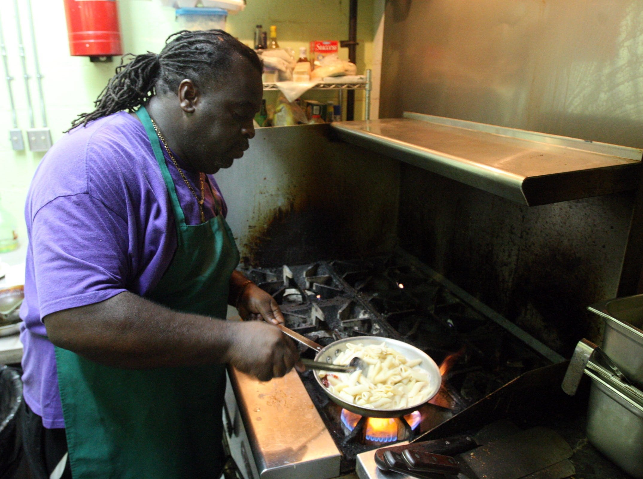 "Aug. 22, 2009 - Gary Williams cooks the ""Big Easy"" pasta dish."