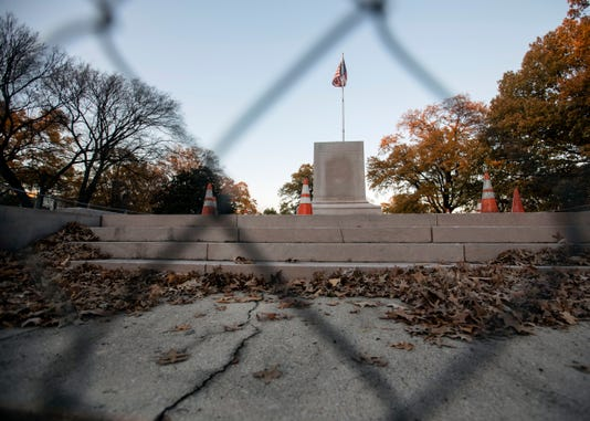 Memphis Confederate Statues