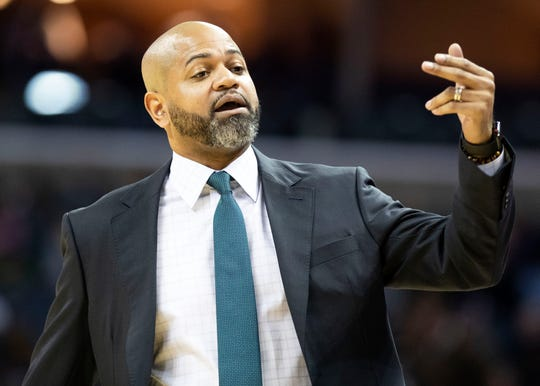 Memphis Grizzles head coach J.B. Bickerstaff singles a player from the bench during a NBA basketball game in the Fedex Forum, Wednesday, Dec. 5, 2018.