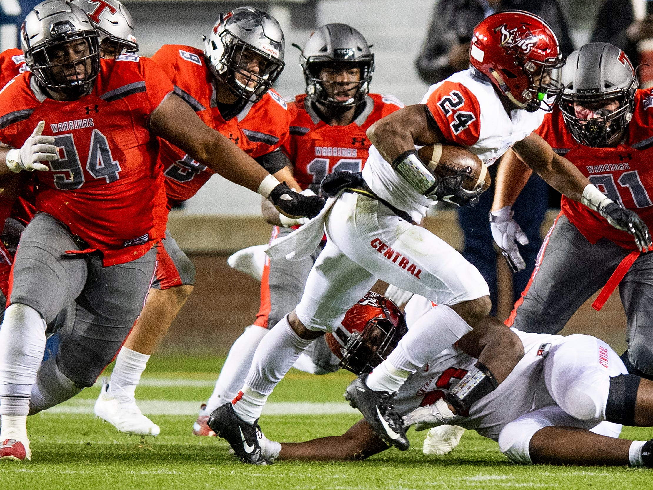 Central-Phenix City's Amontae Spivey breaks free for a second quarter touchdown against Thompson during the AHSAA Class 7A State Championship Football Game at Jordan Hare Stadium in Auburn, Ala., on Wednesday evening December 5, 2018.