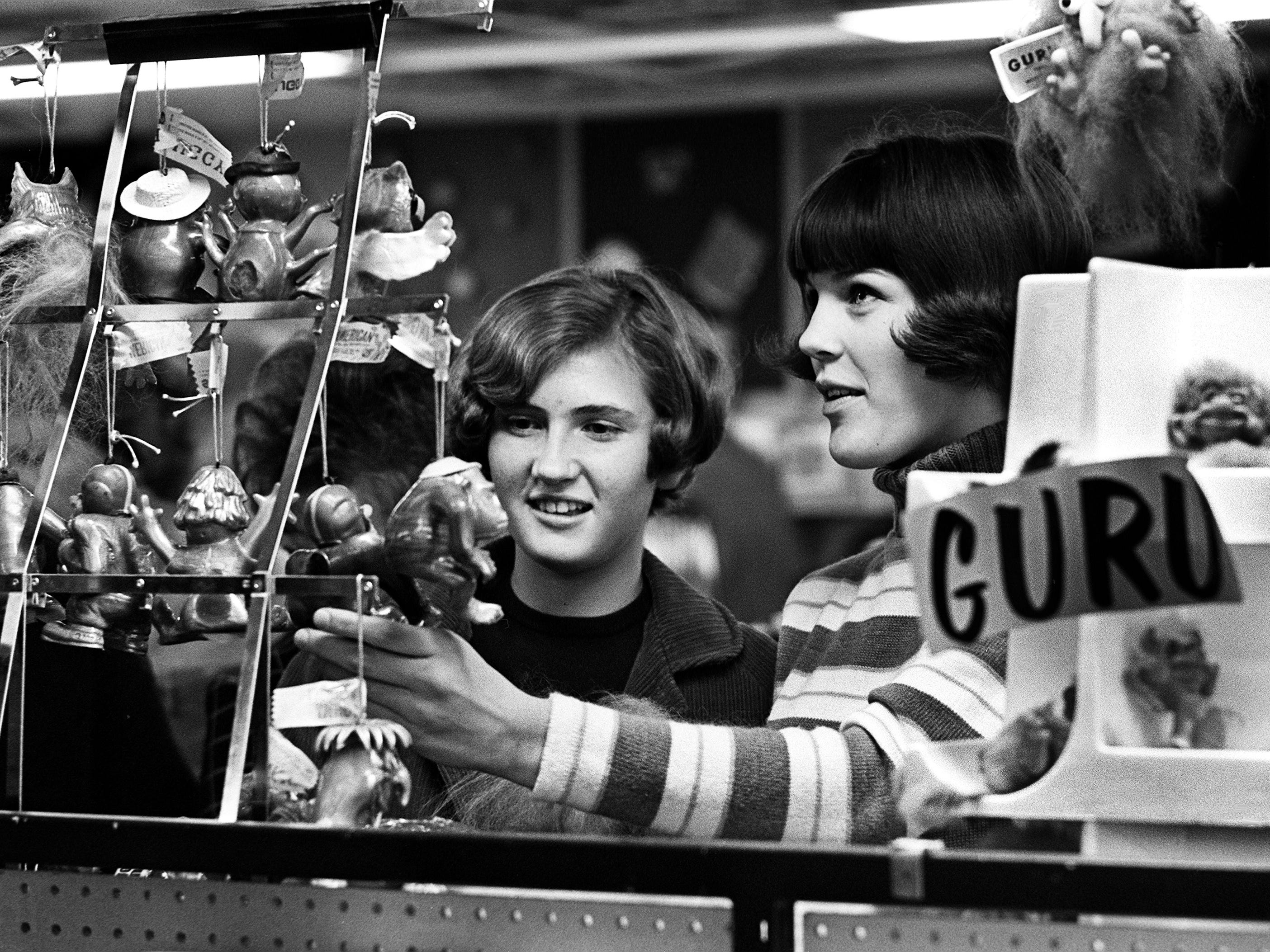 Julie Creek, left, and Sandra Smith look for an unusual Christmas gift for someone on their shopping list Dec. 7, 1968. They are visiting downtown Nashville stores to make their selections early since there are only 17 shopping days left until Christmas.