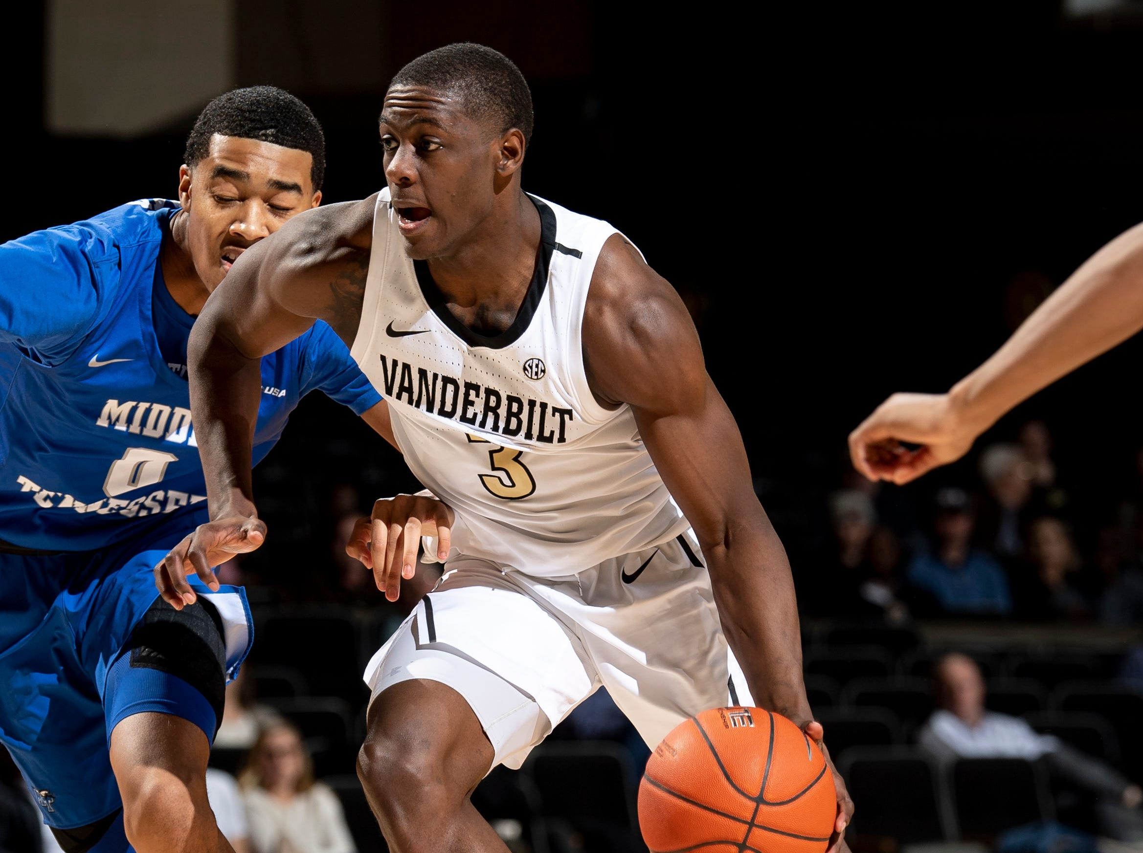 Vanderbilt guard Maxwell Evans (3) advances past MTSU guard Anthony Crump (0) during the second half at Memorial Gym in Nashville, Tenn., Wednesday, Dec. 5, 2018.