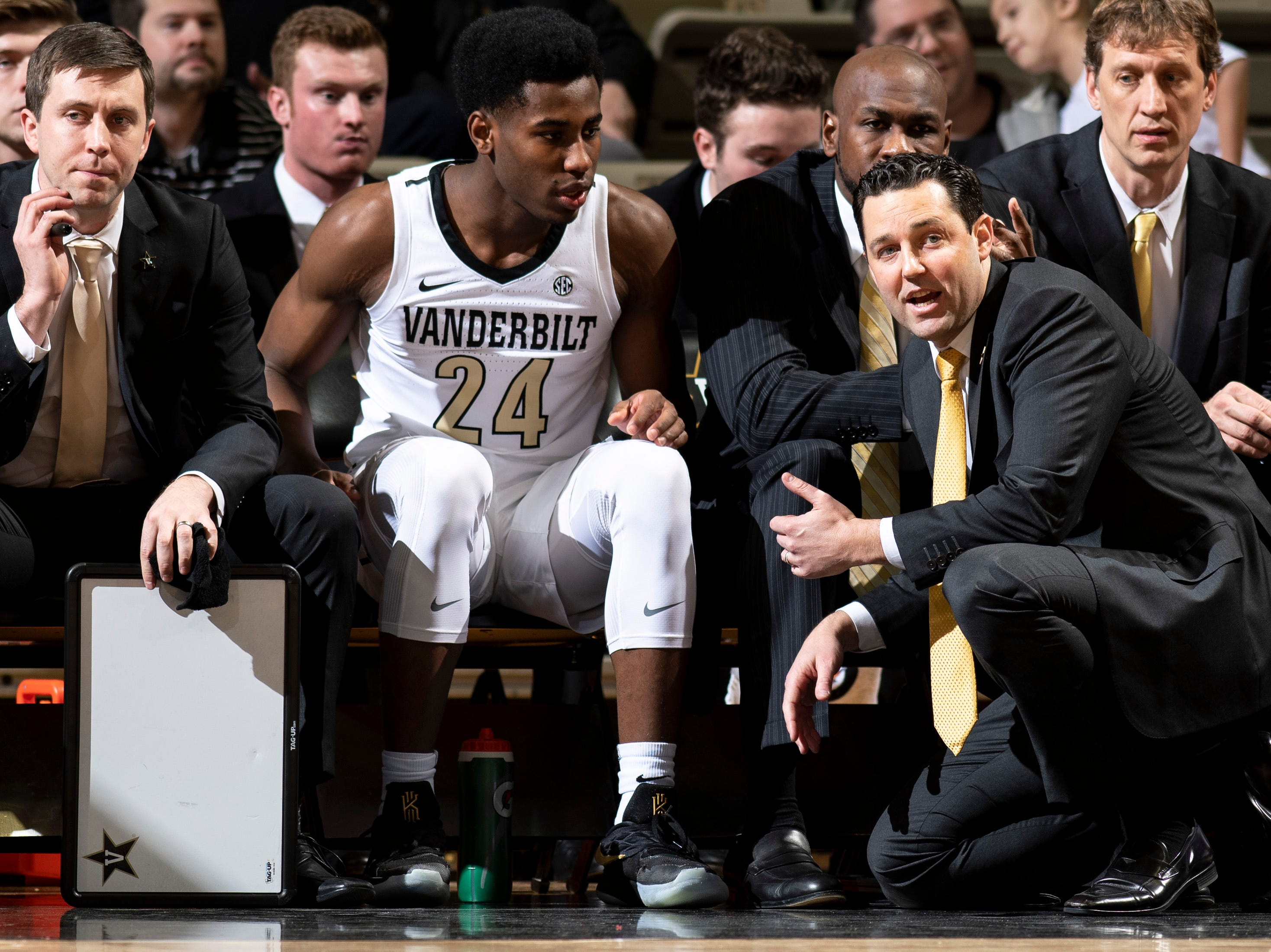 Vanderbilt head coach Bryce Drew works with forward Aaron Nesmith (24) during the first half against MTSU at Memorial Gym in Nashville, Tenn., Wednesday, Dec. 5, 2018.