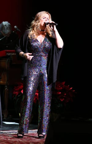 12/05/18 Taya Gray, Special to the Desert Sun Trisha Yearwood performs Wednesday during the McCallum Theatre Gala in Palm Desert.