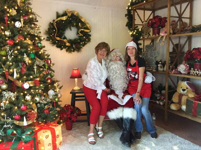 Victory Grund, Santa, Colette Hesbold